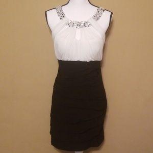 Jodi kristopher white & black dress size medium